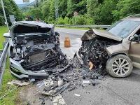 Pri nehode pod Donovalmi sa zranilo 5 ľudí, jeden z nich zahynul