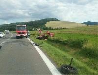 Hasiči zasahujú pri dopravnej nehode