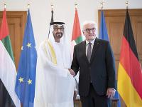 Nemecký prezident Frank-Walter Steinmeier a korunný princ Spojených arabských emirátov šejk Muhammad ibn Zajd Nahaján