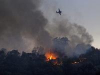 Na juhu Francúzska vyčíňajú lesné požiare