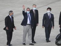 Americký minister zdravotníctva Alex Azar na letisko v Taiwane