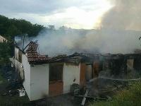 Hasiči zasahujú pri požiari rodinného domu v Krupine