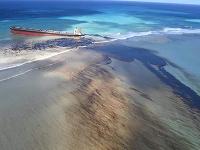 Maurícius kvôli poškodenej lodi vyhlásil stav environmentálnej núdze