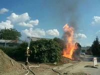 Hasiči zasahujú pri úniku plynu a požiari v Dubnici