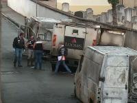 K incidentu došlo v piatok predpoludním, keď vozidlo opustilo pobočku Banque de France v tomto meste ležiacom na juhovýchode krajiny