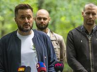 Na snímke primátor hlavného mesta SR Bratislavy Matúš Vallo, vedúci oddelenia mestskej zelene Ivan Petro a splnomocnenec primátora pre zeleň a životné prostredie Andrej Kovarík