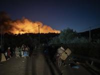 Utečenecký tábor v plameňoch