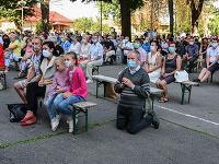 Na snímke účastníci s ochrannými rúškami počas národnej púte k Sedembolestnej Panne Márii v Šaštíne - Strážach 15. septembra 2020.