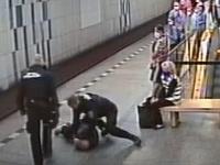 Cestujúci v pražskom metre nemal rúško, skončil v putách