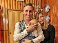 Matej Sajfa Cifra a Veronika Cifrová Ostrihoňová s dcérou Sárou