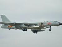 Na videu sú vidieť bombardéry H-6, ktoré sú schopné niesť jadrové bomby.  Ilustračné foto