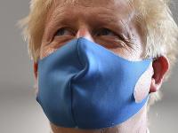 Boris Johnson neváha na kontrolu dodržiavania opatrení použiť aj armádu.