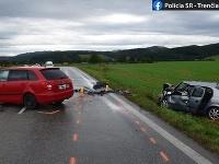 V doobedňajších hodinách došlo na ceste mezi obcami Prejta a Klobušice v okresne Ilava k tragickej dopravnej nehode.