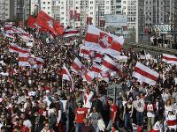 Ľudia v Bielorusku naďalej protestujú