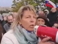 Učiteľka sa chopila slova počas protestu v Bratislave.