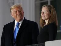 Donald Trump a Amy Coney Barrettová