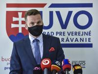 Na snímke predseda Úradu pre verejné obstarávanie (ÚVO) Miroslav Hlivák