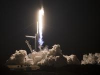 Vesmírna loď spoločnosti SpaceX s posádkou odštartovala k ISS