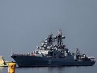 Ruské bojové plavidlo Admirál Vinogradov.