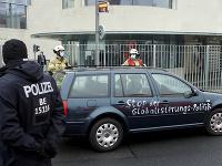 Vodič narazil do oplotenia úradu nemeckej kancelárky Angely Merkelovej