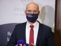 Branislav Gröhling nepochodil s plánom na návrat do škôl.