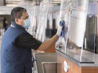 V Kanade zavádzajú opatrenia proti šíreniu koronavírusu