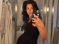 Takto vyzerala Hilaria Baldwin ešte s tehotenským bruškom.