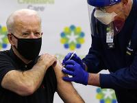 Joe Biden dostal druhú dávku vakcíny proti Covid-19