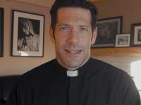 Otec Mike Schmitz