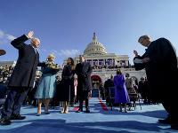 Prezident Joe Biden zložil prísahu.