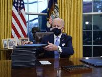 Joe Biden v Oválnej pracovni Bieleho domu