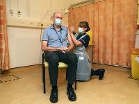Očkovanie vakcínou od firmy AstraZeneca