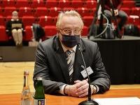 Prokurátor Ján Šanta pri verejnom vypočúvaní