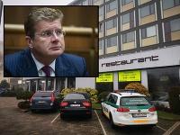 Elitní policajti zasahujú v hoteli Aston, v ktorom sídli aj firma exministra Petra Žigu.