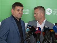 Na snímke predsedovia strán zľava László Sólymos (Most-Híd), Krisztián Forró (Strana maďarskej komunity).