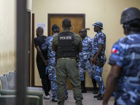 Z väznice na Haiti utieklo vyše 400 väzňov