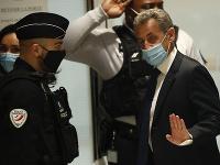 Francúzskeho exprezidenta Sarkozyho odsúdili na rok väzenia