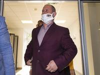 Pokračuje hlavné pojednávanie s obžalovaným Marianom Kotlebom.