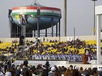 Návštevu v Iraku pápež ukončil omšou pod holým nebom v meste Arbíl