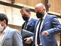 Ministri odchádzajú po rokovaní vlády