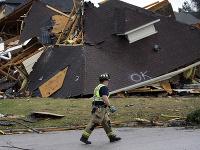 Séria tornád si vyžiadala niekoľko životov a spôsobila materiálne škody