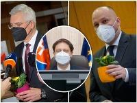 Nový premiér Eduard Heger na prvom rokovaní rozdával kvietky.