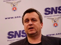 Predseda mimoparlamentnej SNS Andrej Danko