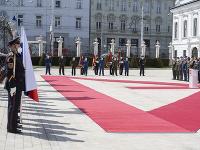 Zuzana Čaputová počas ceremónie udeľovania medailí vojačkám a vojakom