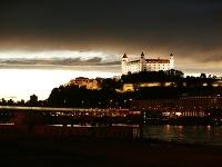 Nočný Bratislavský hrad
