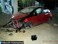 Na úteku pred políciou zastavila mladého vodiča až nehoda