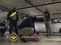 Policajti zadržali 44-ročného Slováka na parkovisku budapeštianskeho nákupného centra