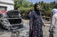 Auto, v ktorom sedela Nadine zasiahla raketa Hamasu.