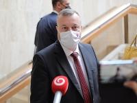 Milan Krajniak pred rokovaním vlády SR