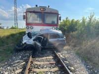 Na nechránenom železničnom priecestí zahynula žena i jej pes